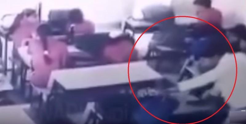 Maestro golpea a alumno hasta dejarlo inconsciente