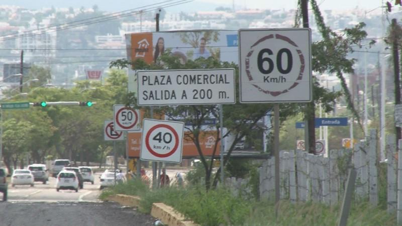 Varían cantidades de velocidad en la señalética de la México 15