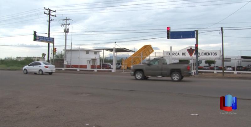 En Cajeme, reparan semáforos de la calle Cinco de Febrero