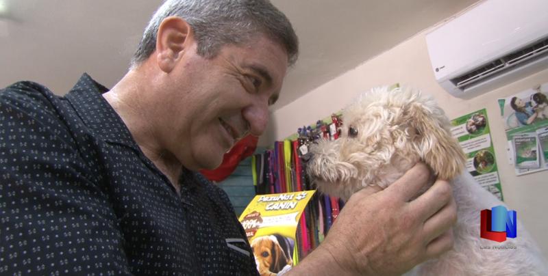 En Cajeme, médico se gana la vida atendiendo a las mascotas
