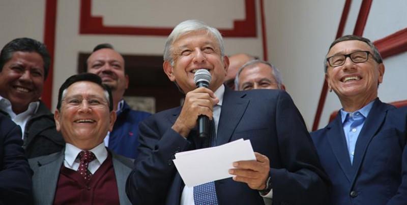 Obrador presenta a los miembros de su círculo interno en la Presidencia