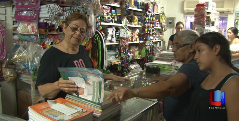 En Cajeme, ciudadana tiene más de 30 años apoyando a jóvenes de la Técnica 56