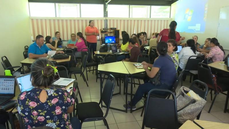 Abre centro de maestros convocatoria para la formación de estructura educativa