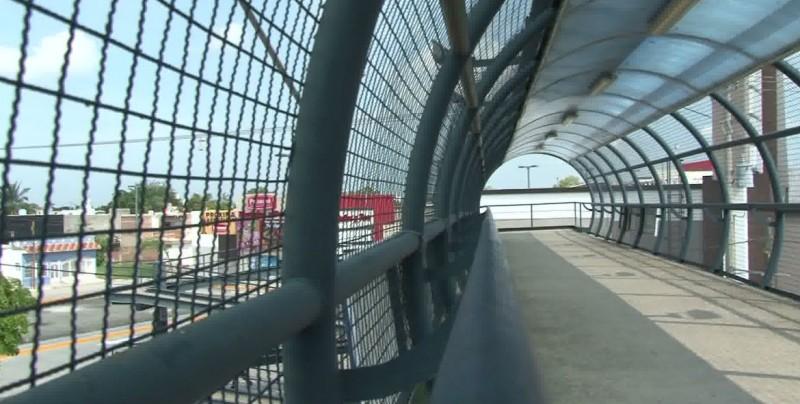 Mazatlecos continúan sin usar puentes peatonales