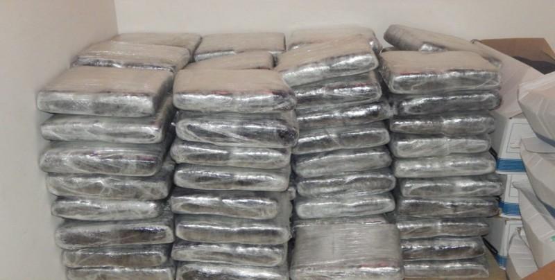 Incautan 763 paquetes de droga y arrestan 5 personas, 4 colombianos en Panamá