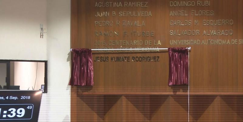 Inscriben con letras de oro en el muro de honor del Congreso el nombre de Jesús Kumate Rodríguez
