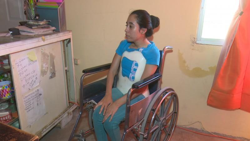 Ximena pide ayuda para operarse de escoliosis