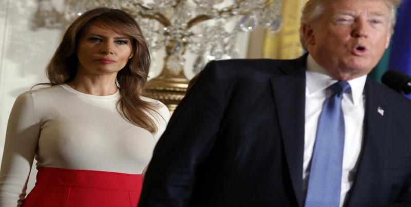 """Melania Trump acusa al autor del artículo anónimo de """"sabotear el país"""""""