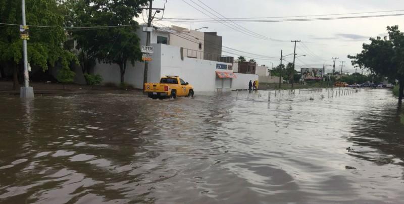 Se inunda Villas del Sol