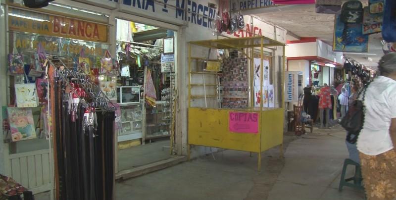 Denuncian que el alcalde Carlo Mario Ortiz compromete obras en mercado viejo sin tenerlos asegurados