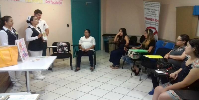 Capacita IMSS a mujeres embarazadas