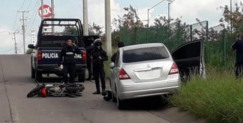 Persecución y enfrentamiento deja un policía herido