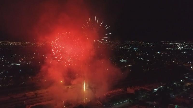 Saldo blanco durante festejos del gríto de independencia