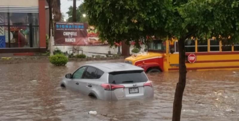 Se inunda la ciudad de Los Mochis