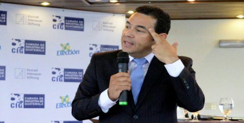 Marchas para pedir renuncia de presidente guatemalteco avanzan sin incidentes
