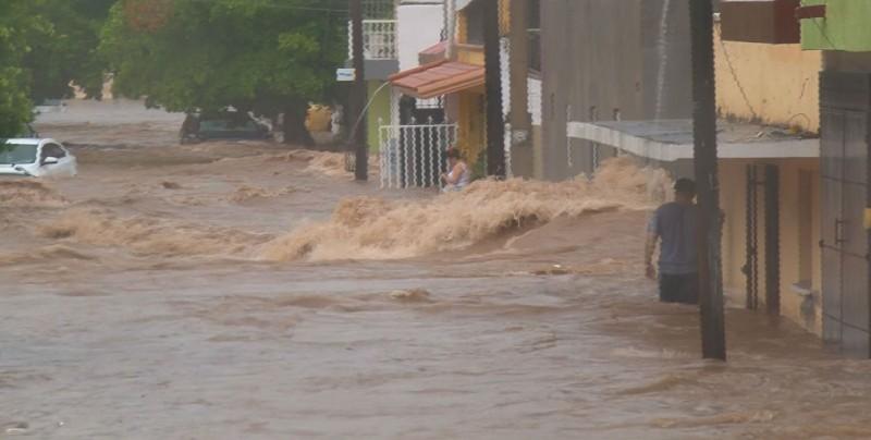 Más de 100 colonias afectas en Culiacán por lluvias