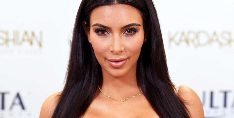 Kim Kardashian comparte una foto de ella misma en su juventud