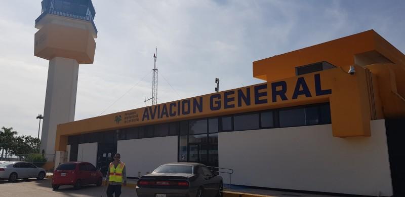 Niegan acceso a medios al aeropuerto para corroborar envío de donaciones por lluvias