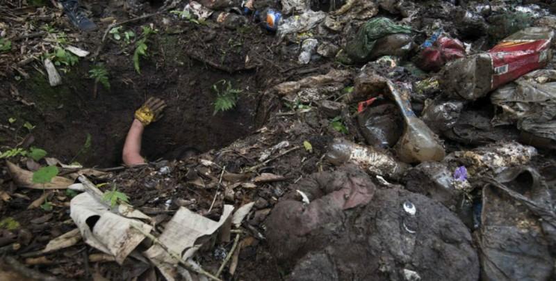 Hallan prendas infantiles en fosas clandestinas en México