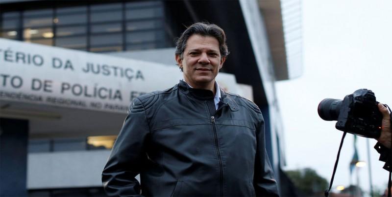 Bolsonaro y Haddad siguen liderando disputa por presidencia brasileña