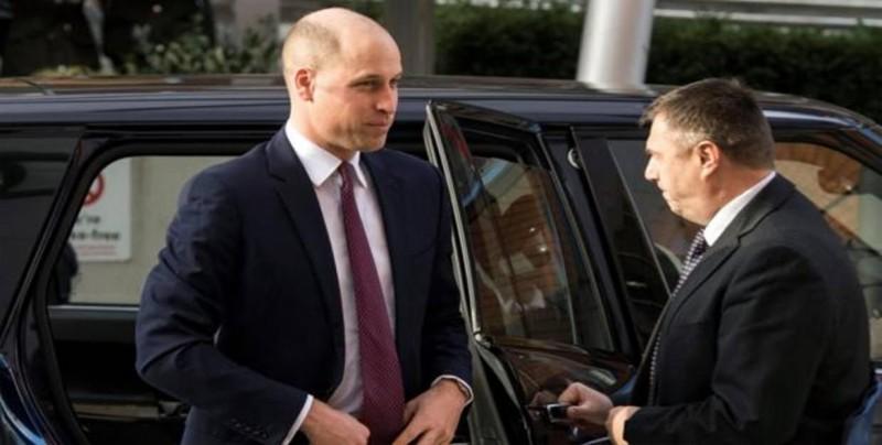 El príncipe Guillermo visita base militar británica tras su llegada a Kenia