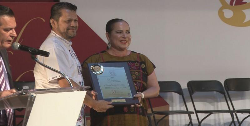 Entrega el Comité Ciudadano Culiacán para la Cultura y las Artes Populares galardones a 21 ciudadanos
