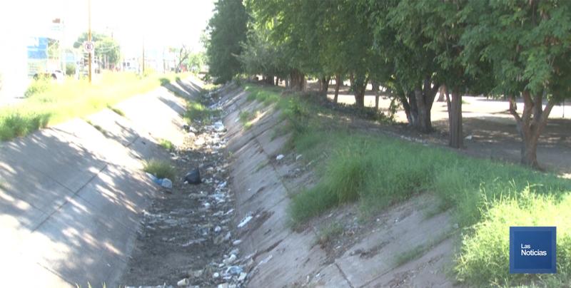 En Cajeme, vecinos de la colonia México piden trabajo en canal