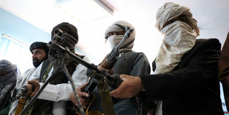 Talibanes acuerdan restablecer garantías a trabajadores de CICR en Afganistán