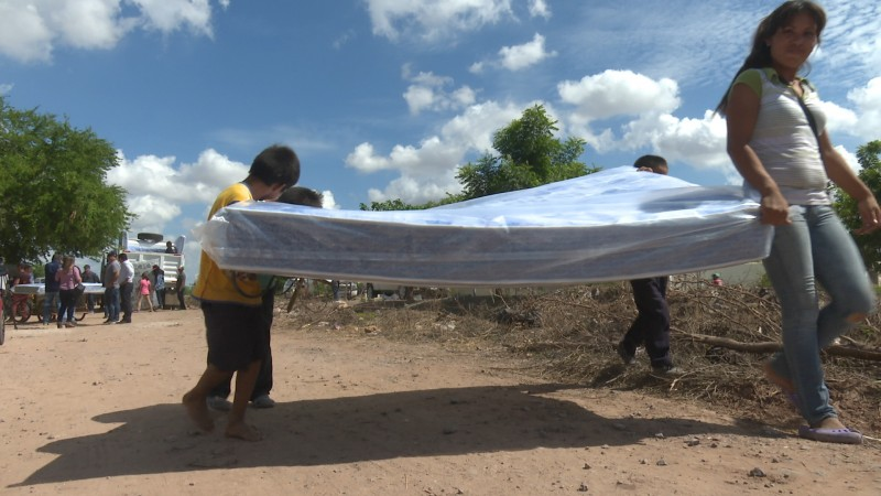 Siguen llegando apoyos a familias de Ahome