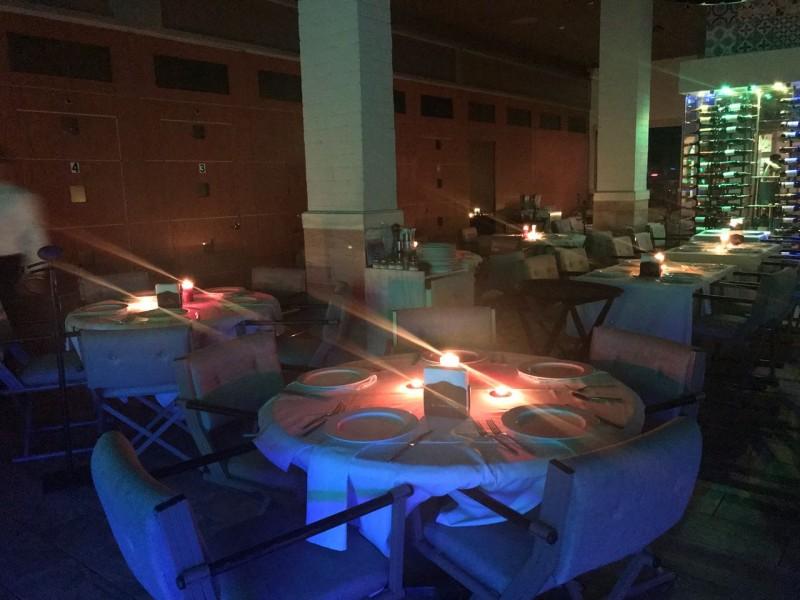 Se manifiestan restauranteros por altos cobros de la luz