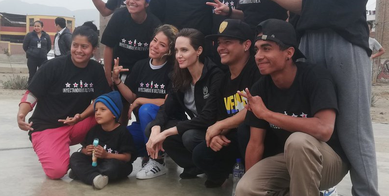 Angelina Jolie visita a inmigrantes venezolanos en Perú