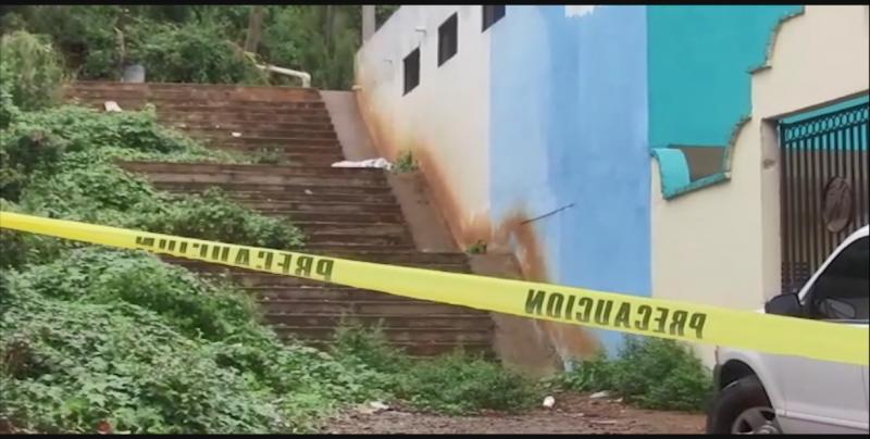 Asesinan a personas a balazos en la escalinata de una iglesia