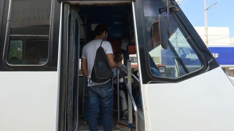 Dos mil estudiantes de Ahome serán beneficiados con beca de transporte