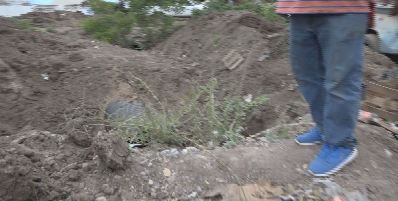 Exigen concluir obra del canal que cruza la avenida Octava en Navolato