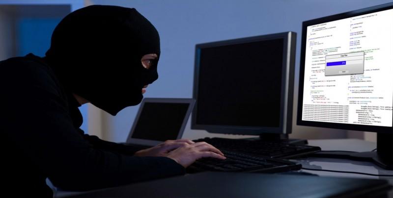Piñera presenta en Chile proyecto para combatir el cibercrimen