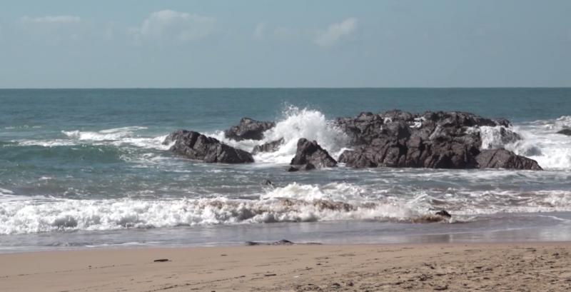 Poco a poco regresa el calmado oleaje a Mazatlán