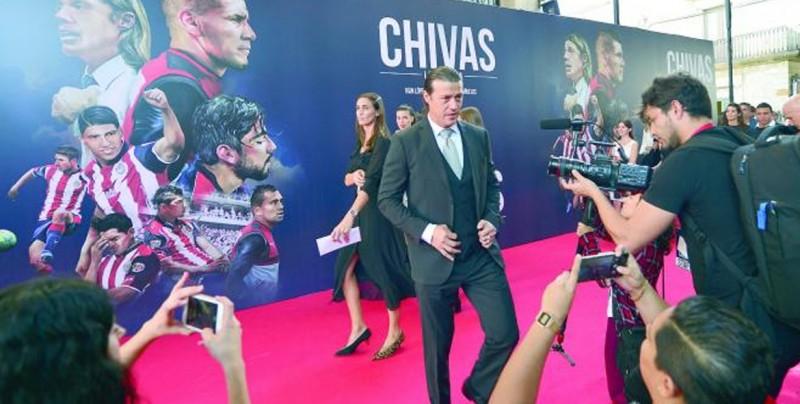 Matías Almeyda llamó la atención en alfombra roja de 'Chivas La Película'