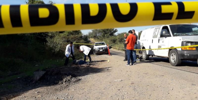 Hallan a joven asesinado por la carretera a Imala