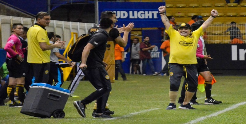 Dorados cerca de la Liguilla con Maradona al frente