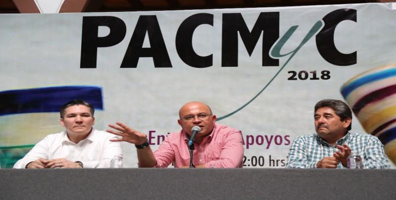 Entregan apoyos del PACMyC 2018