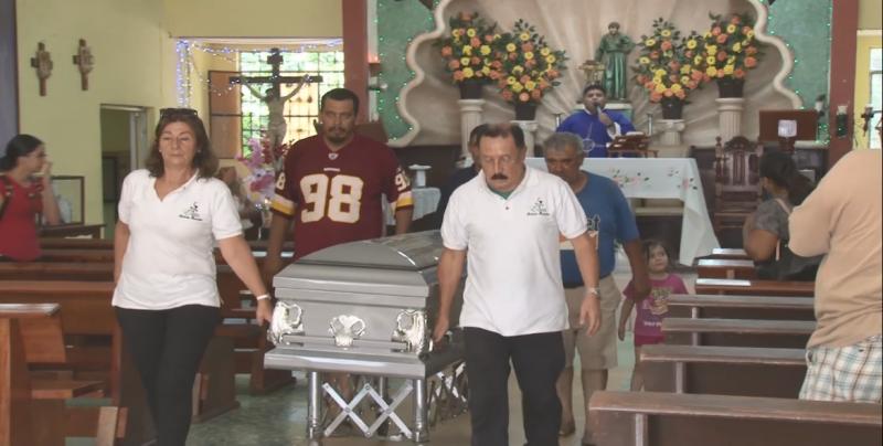 Dan entierro a padre desaparecido; desconocen aún paradero de madre