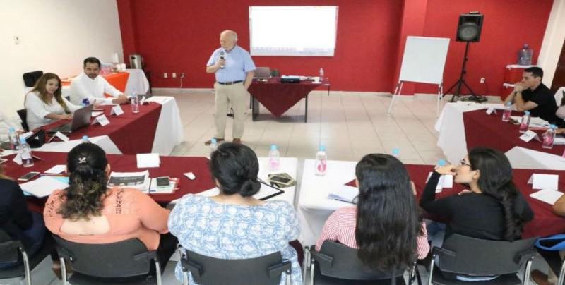 Capacitan a personal para atender el Centro de Autismo Sinaloa