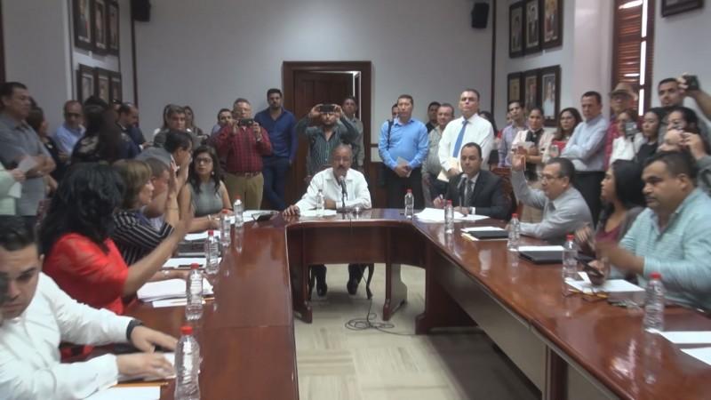 Ríspida primera sesión de cabildo en Culiacán