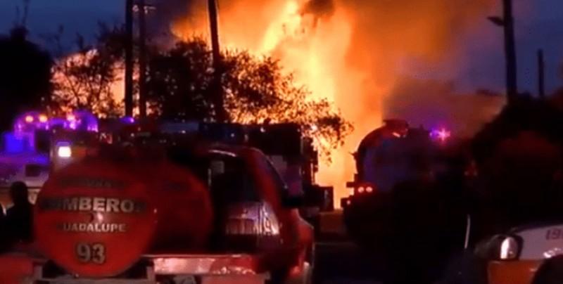 Se registra explosión de tanques de combustible en NL