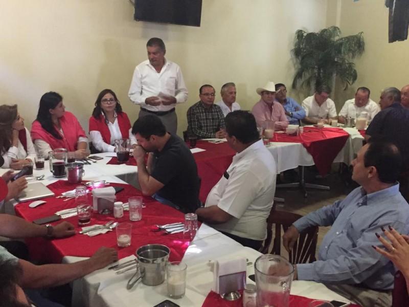 Se reúnen sindicatos afiliados a CTM con diputados del PRI