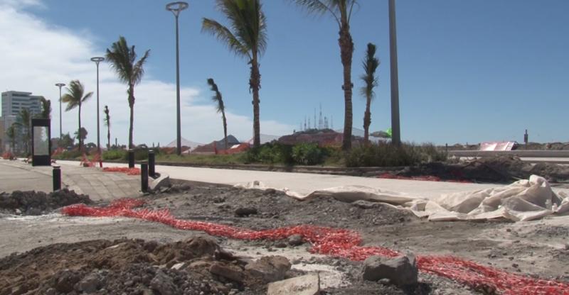 Disgusta a turistas obras en el malecón