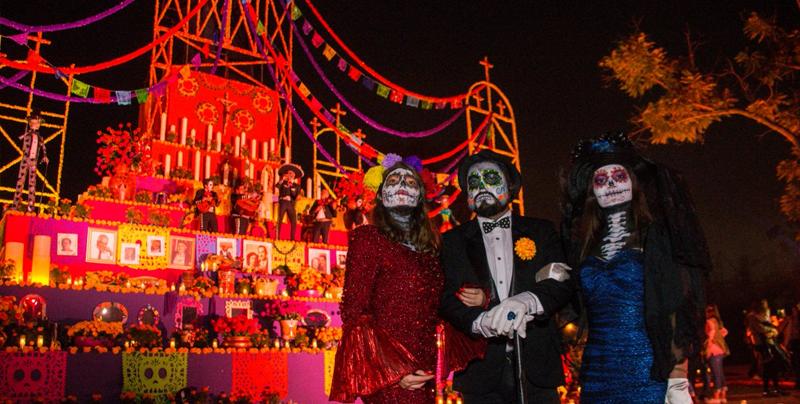 El parque de diversiones 'Calaveralandia' abre sus puertas