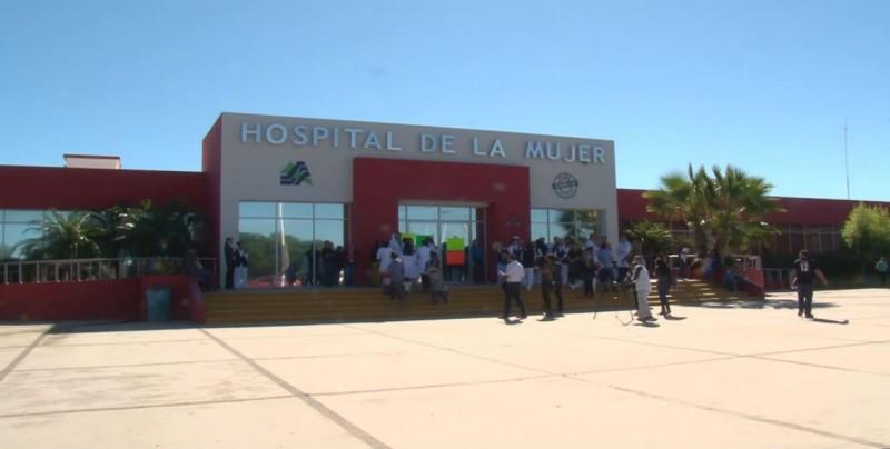 Paralizan labores trabajadores del sector salud en Sinaloa