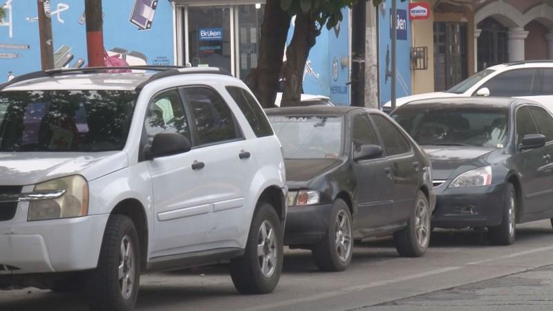 Disminuye venta de autos en México
