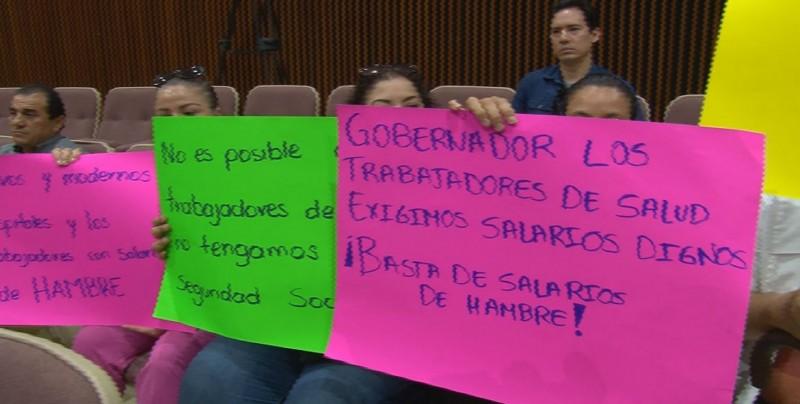 Trabajadores no basificados sel sector salud, exigen el apoyo de los Diputados locales y federales